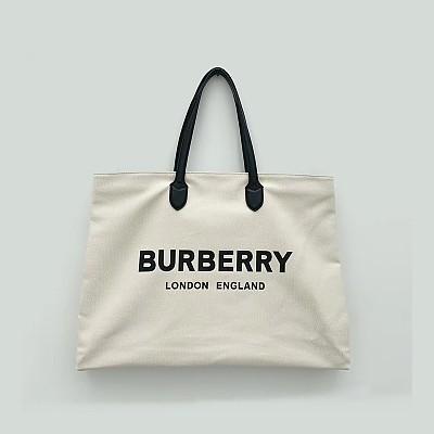[스페셜오더]BURBERRY-8009268 버버리 화이트 로고 디테일 코튼 토트백